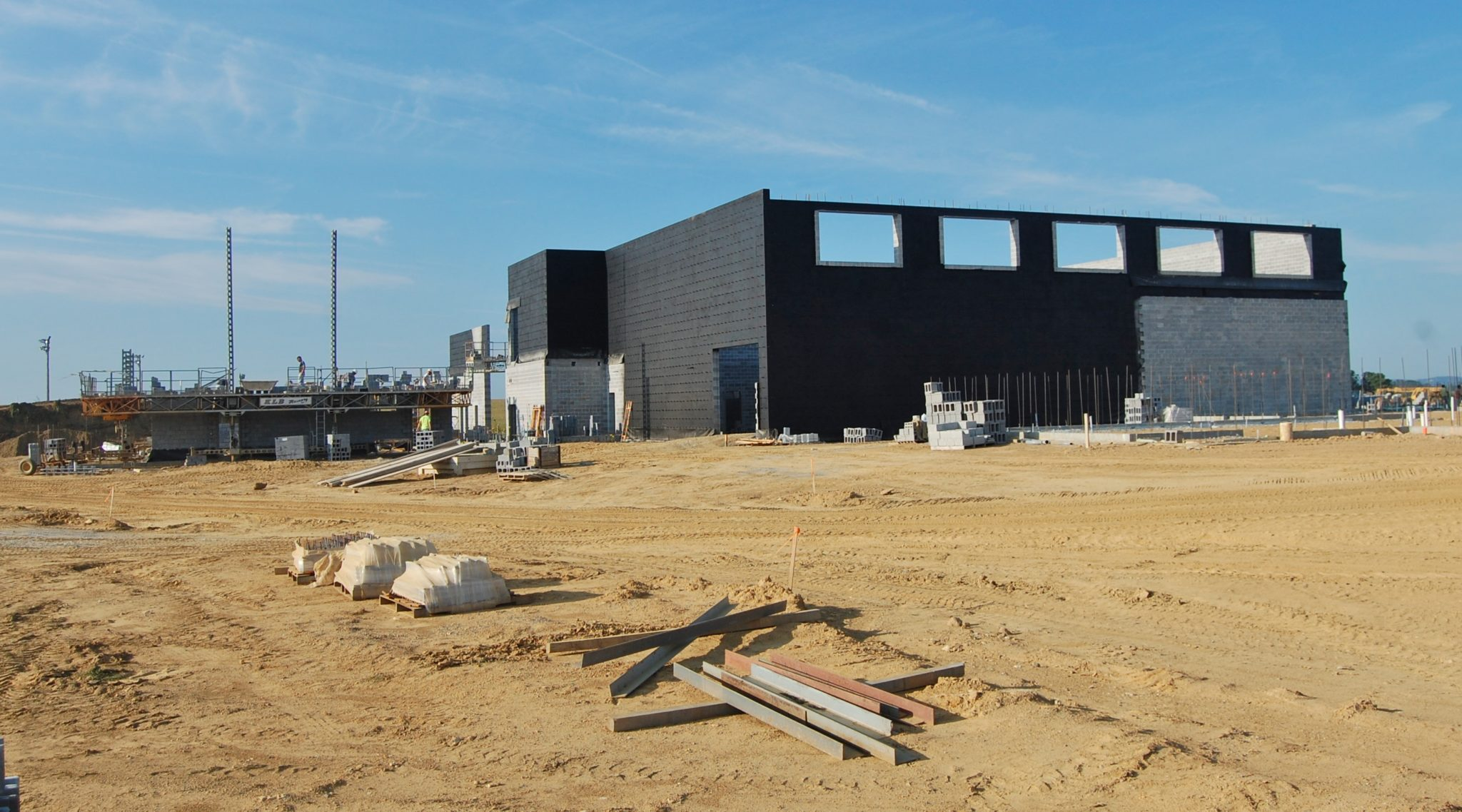Construction continues on new Hambright Elementary School